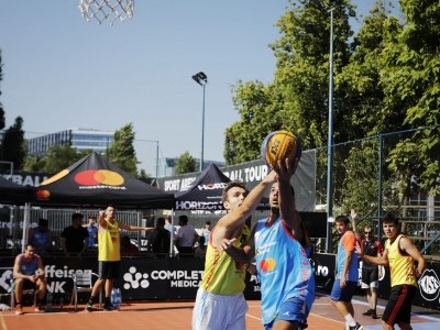 Complet Medical la Street Arena Streetball Tour